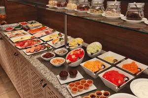 H4 Hotel Münster City Center - Buffet