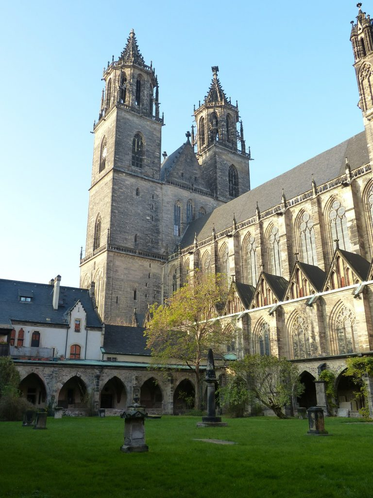 Kirche Magdeburg - Ramada Hotel Magdeburg