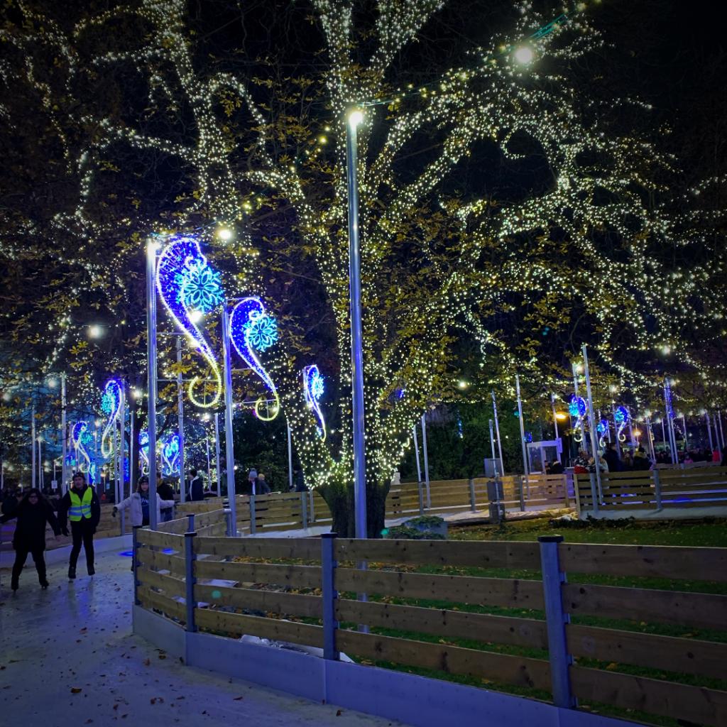 Wien-Weihnachtsmarkt-Wiener-Eistraum